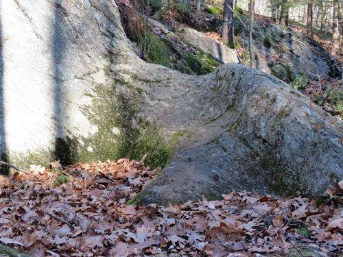 8. Bear's Den Pothole