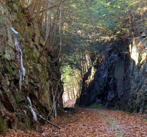 1. Canyon