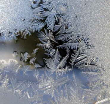 2. Ice Crystasls
