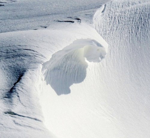3. Snow Curl