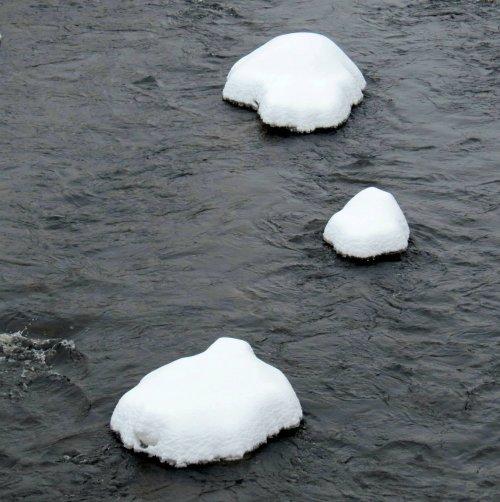 15-river-stones