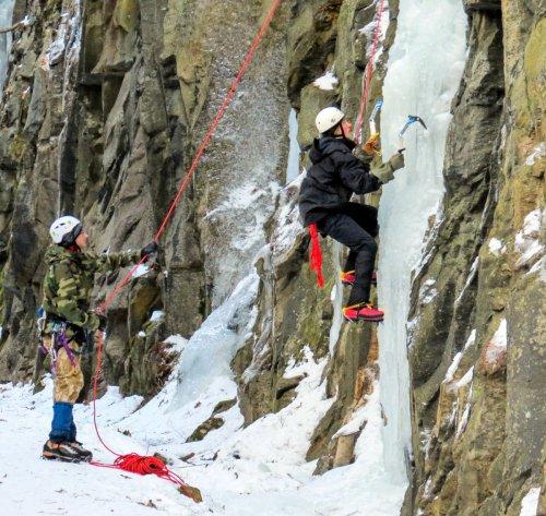 3-ice-climbers